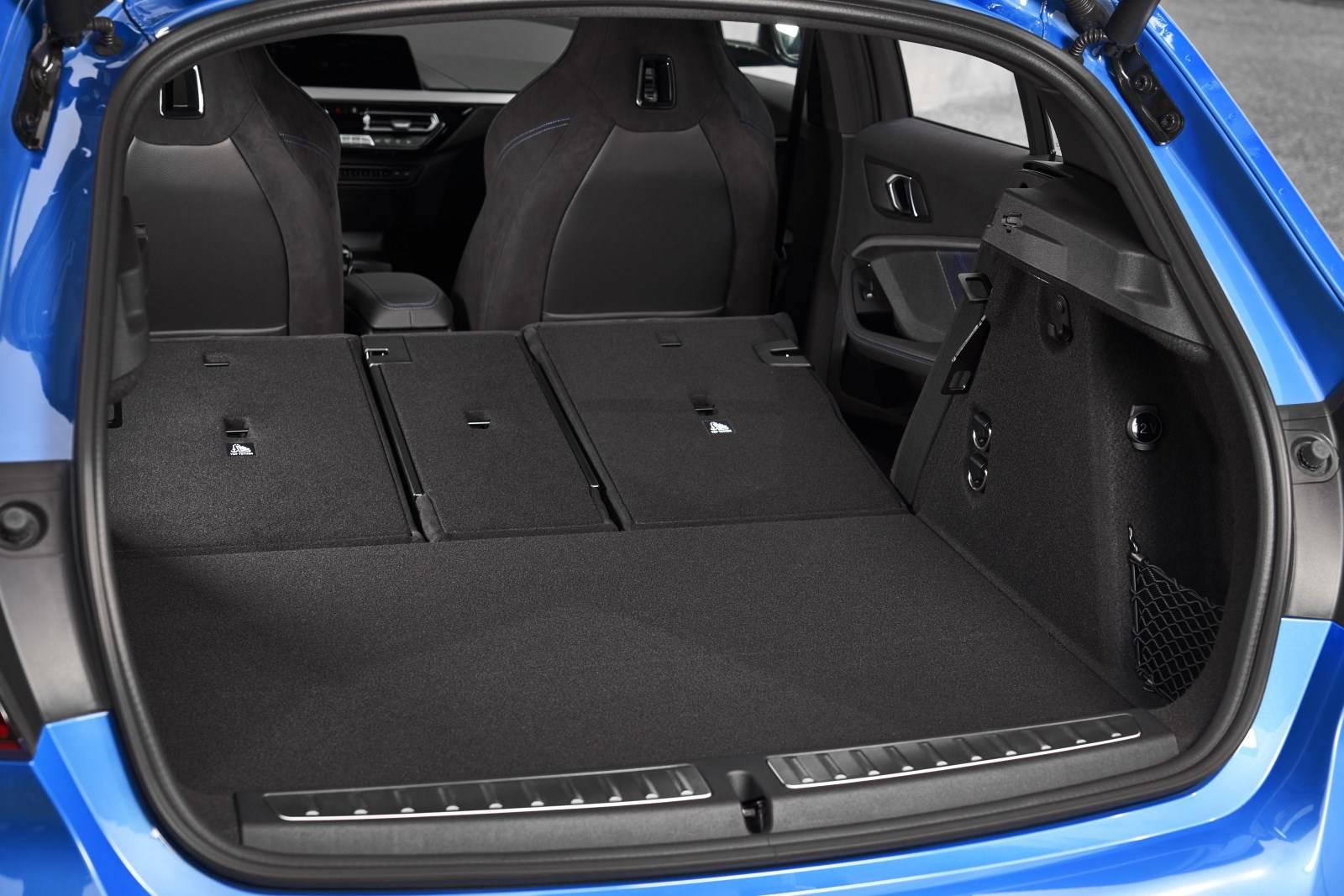 Новый BMW 1 серии F40 - больше, мощнее, динамичнее 7