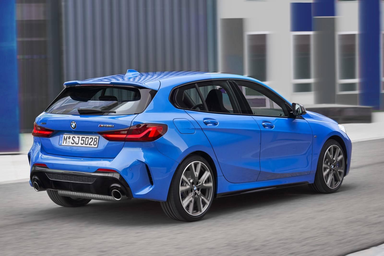 Новый BMW 1 серии F40 - больше, мощнее, динамичнее 2