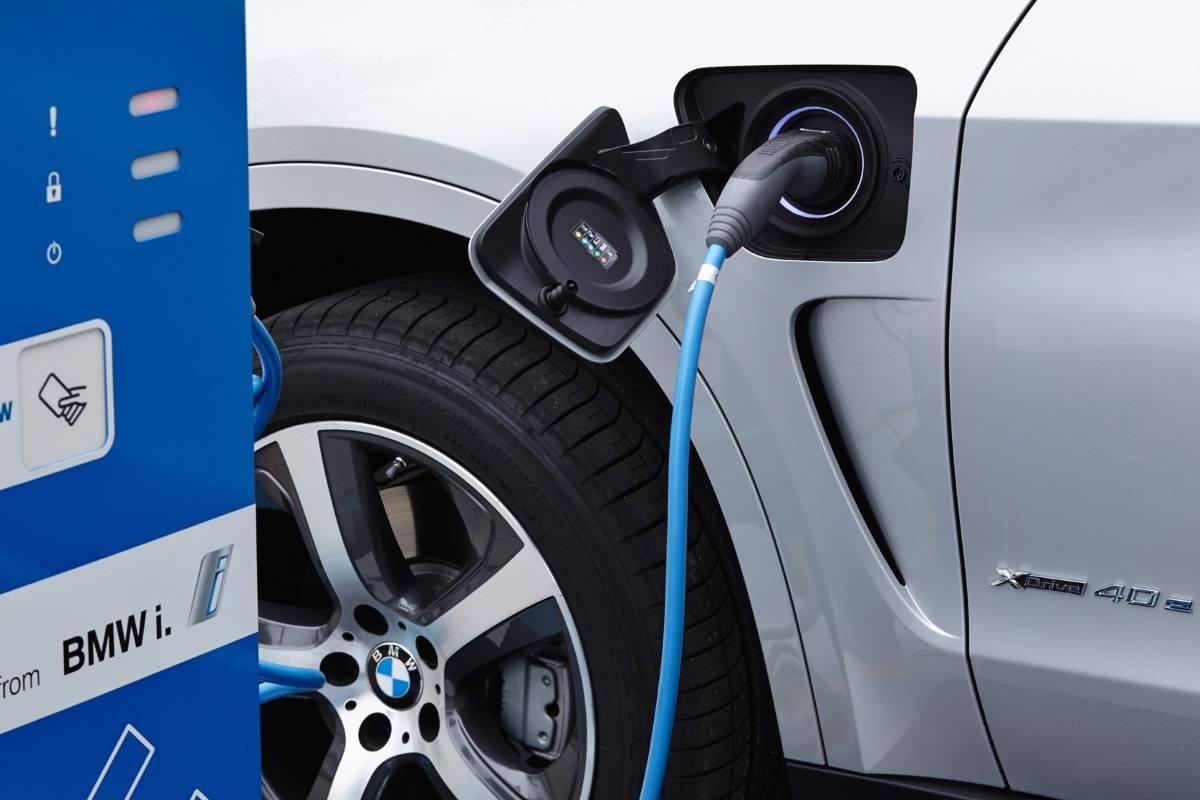 BMW M серии выпустят с электроприводом 1