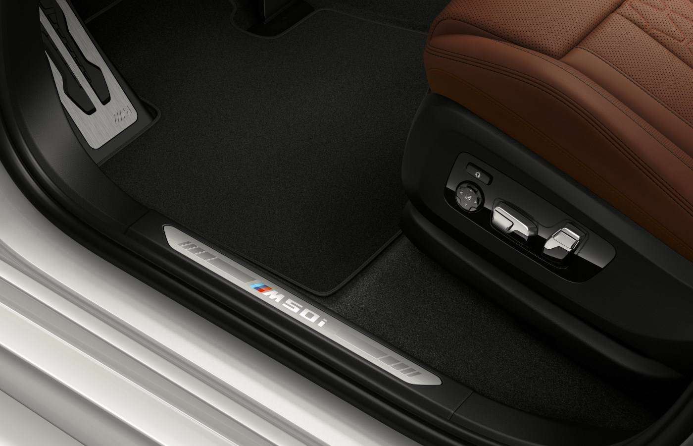 BMW X7 M50i и X5 M50i стали мощнейшими в серии X