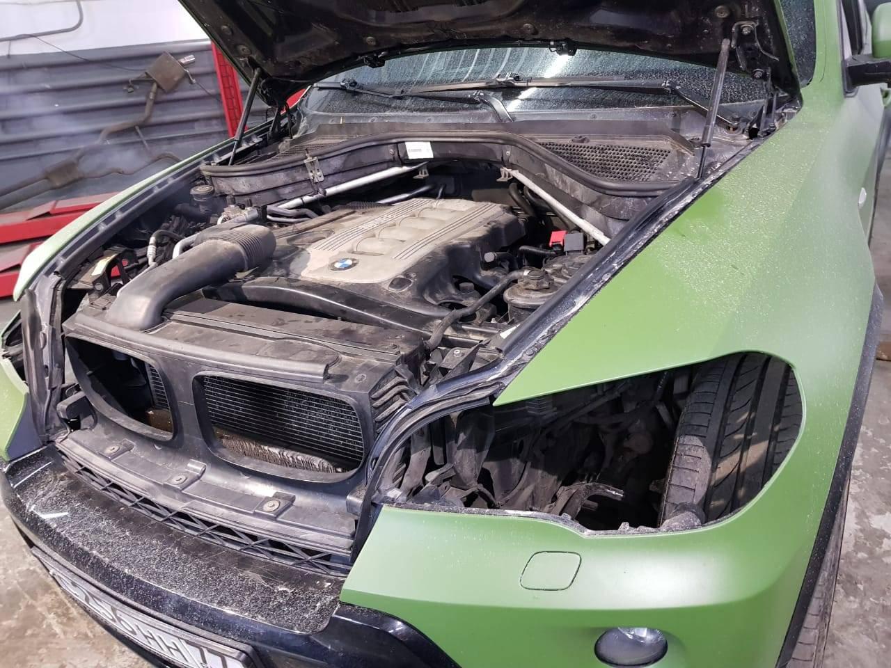 Замена стекол фар BMW X5 E70
