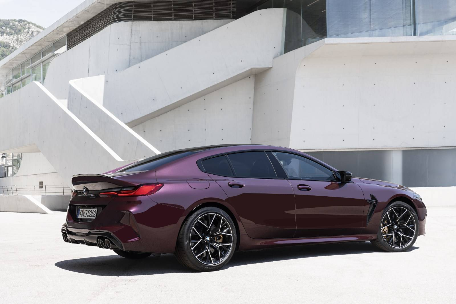 BMW M8 Gran Coupe и BMW M8 Competition Gran Coupe 2