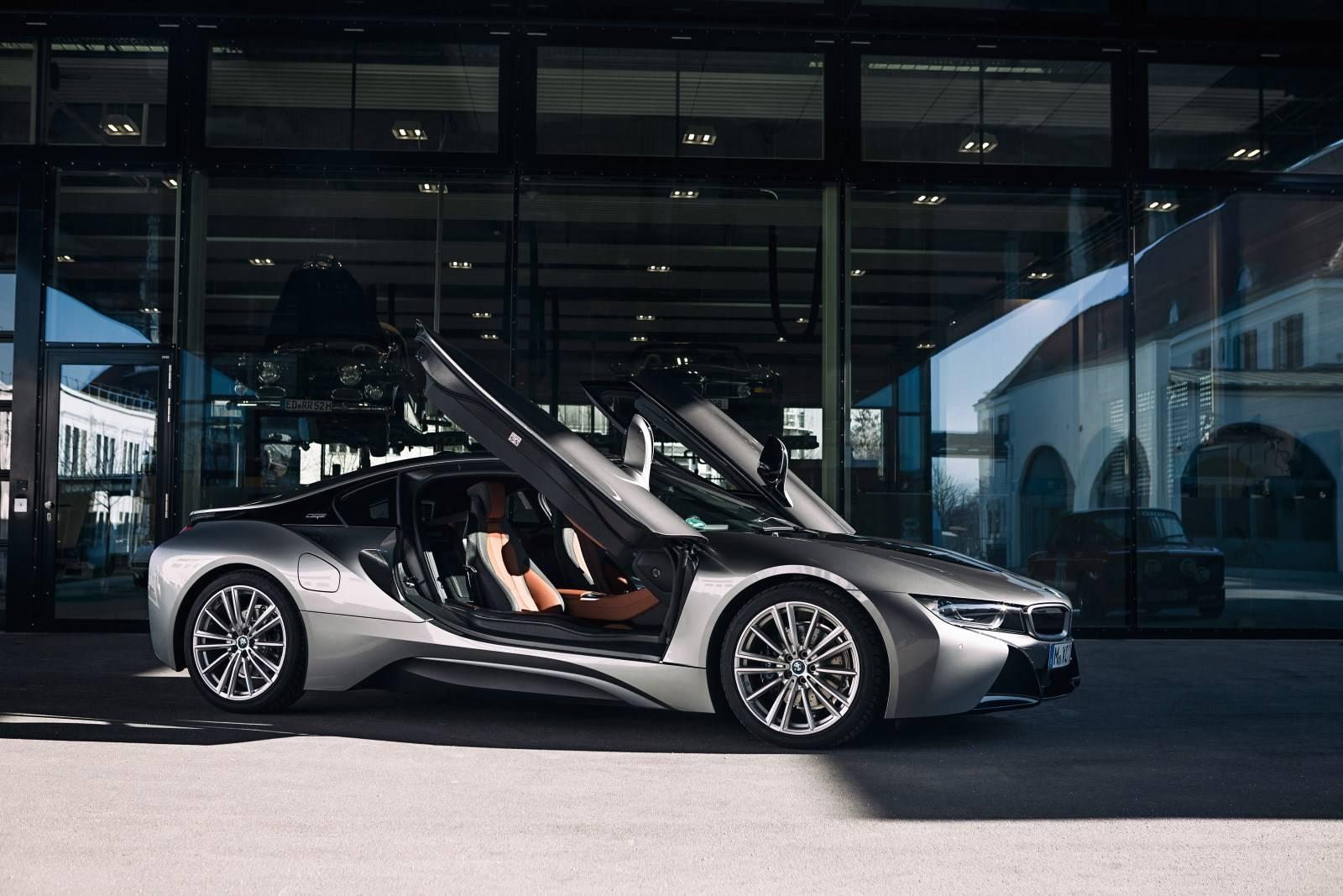 BMW i8 уходит в музей - BMW Group прекращает производство гибрида 2