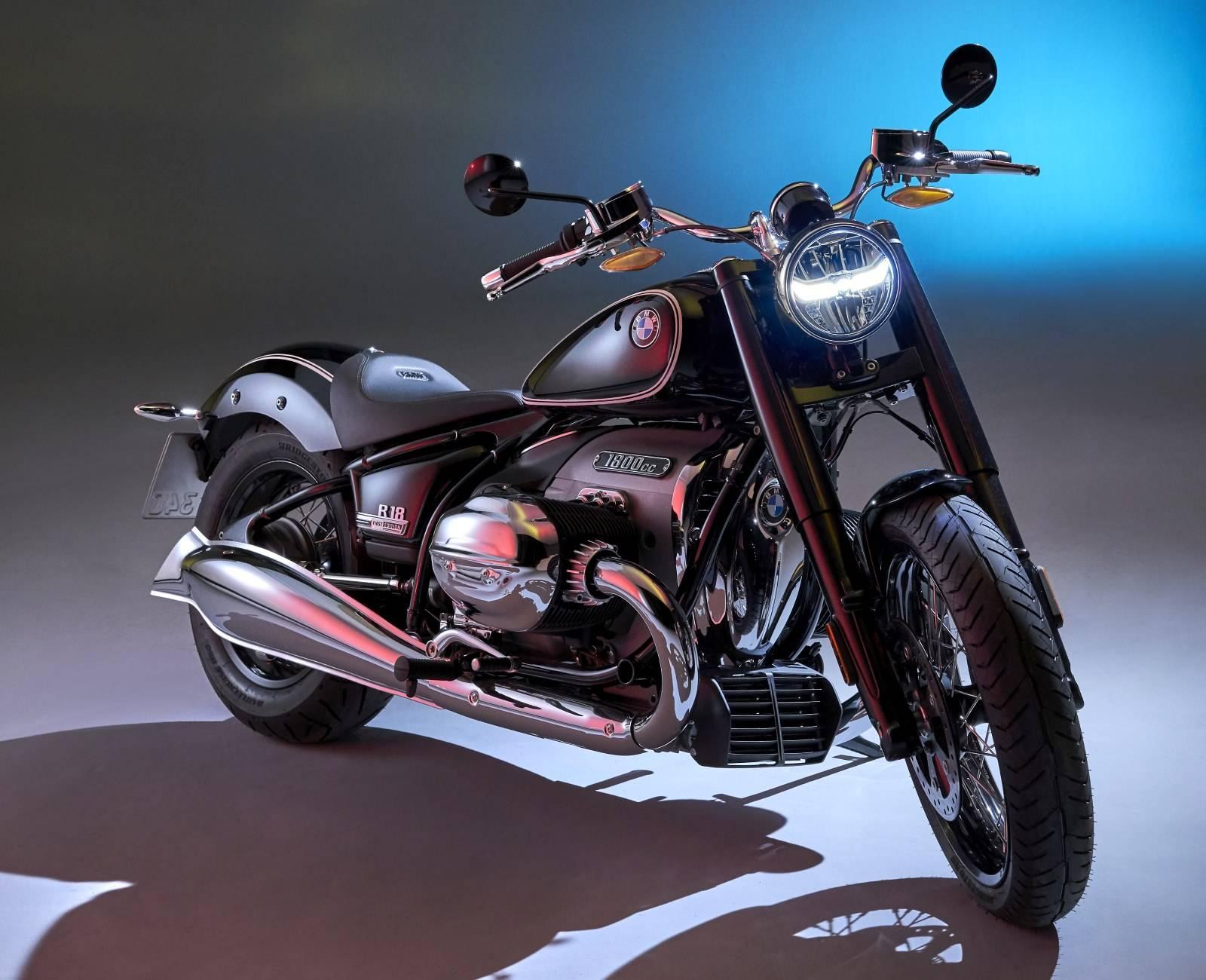 Мотоцикл BMW R 18: новый крузер с диким мотором 1