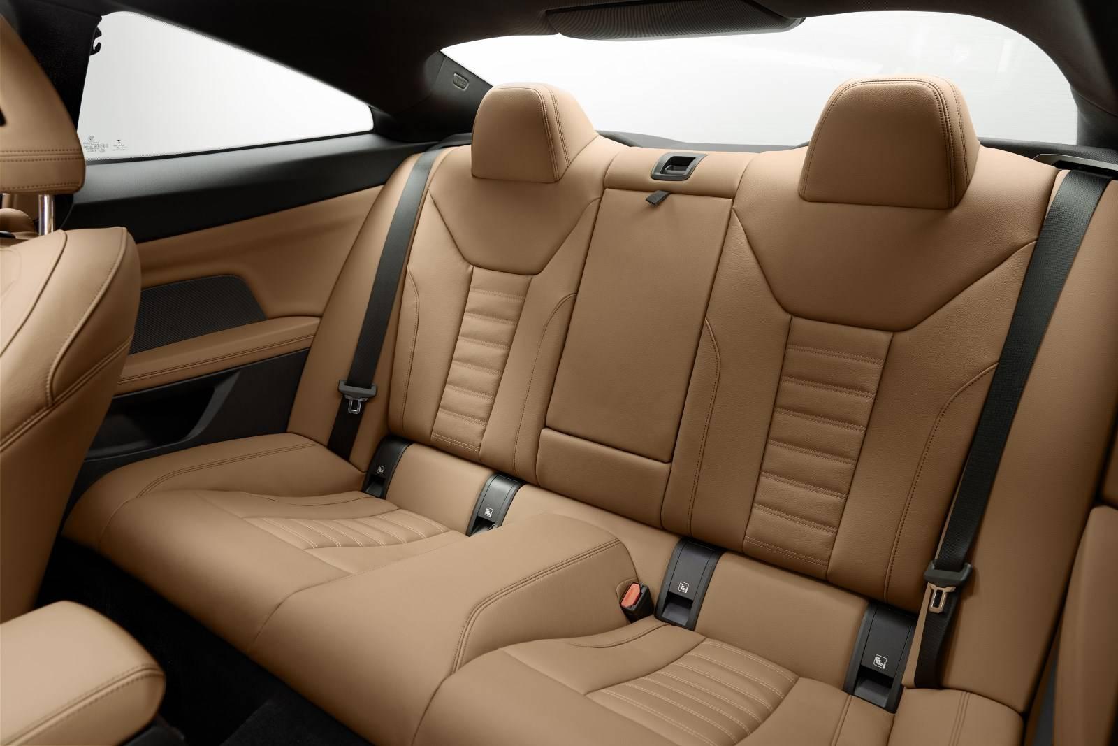 BMW 4 Series Coupe G22 - кардинально новый дизайн 10