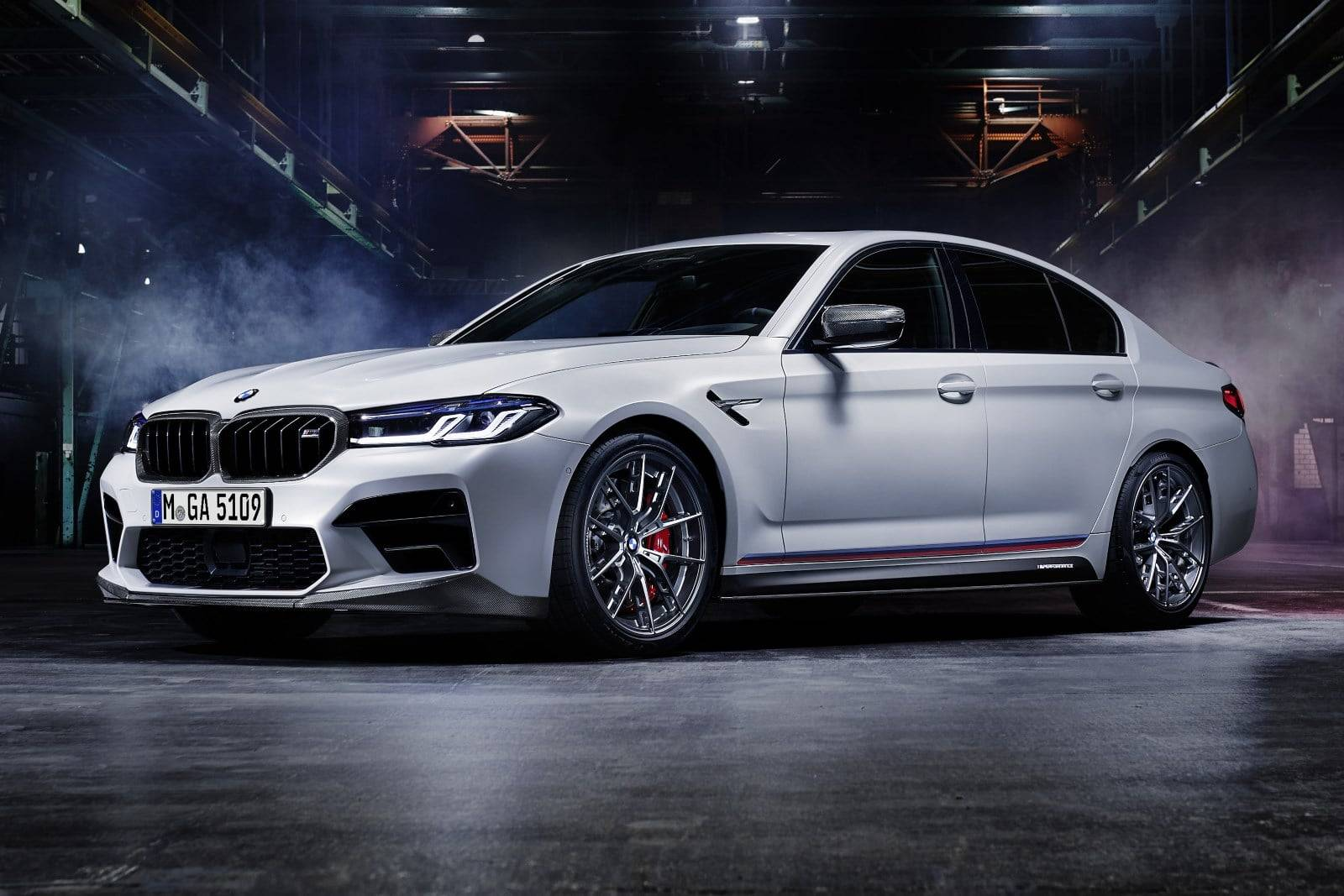 BMW M Performance для новых BMW 5, M5 и M5 Competition 1
