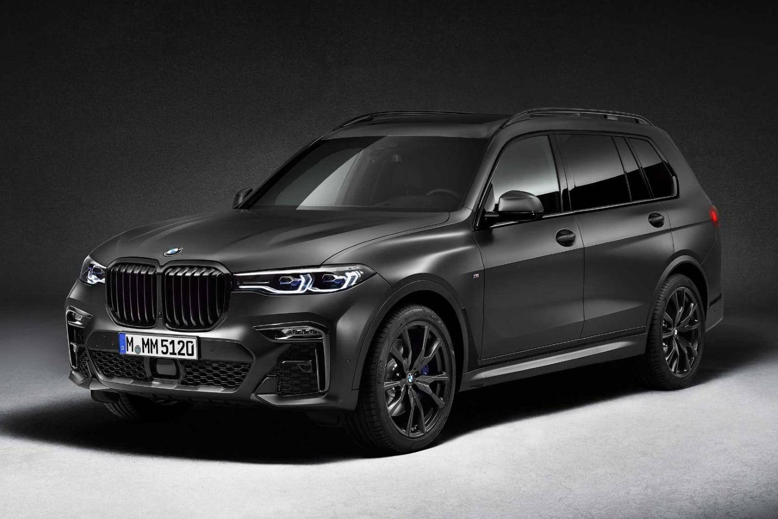 BMW X7 Dark Shadow Edition 01