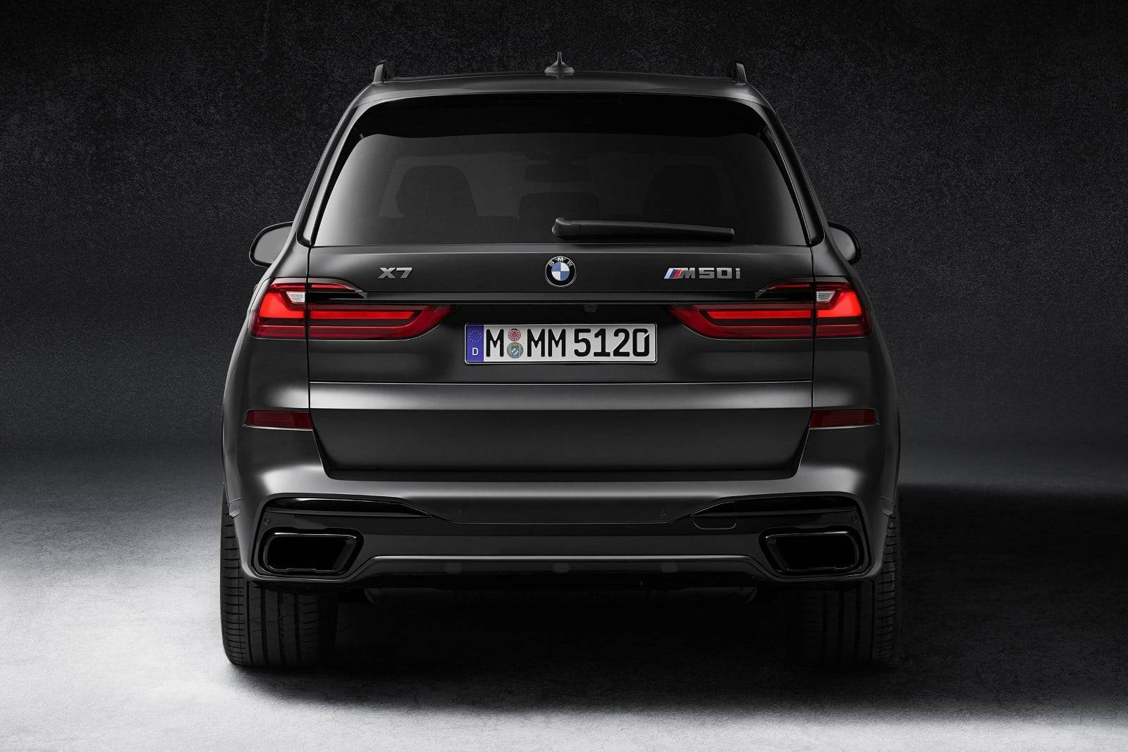 BMW X7 Dark Shadow Edition - впечатляющая харизма 3