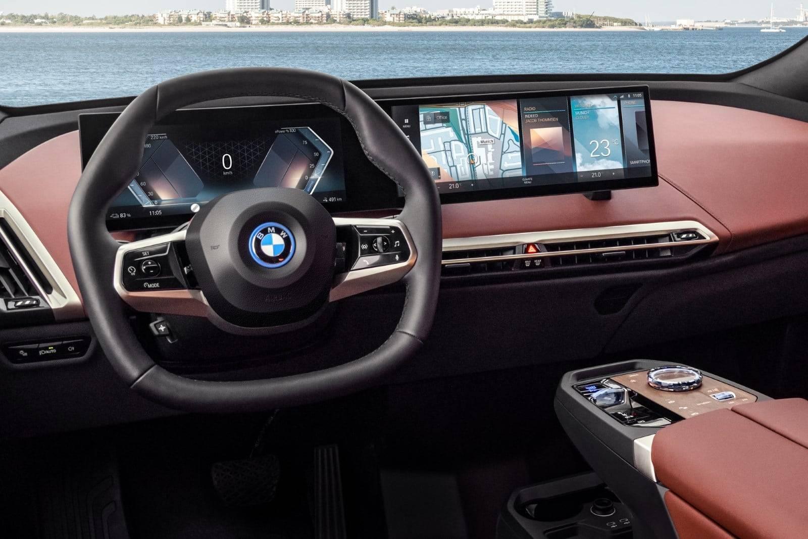 Первый в истории BMW iX 6