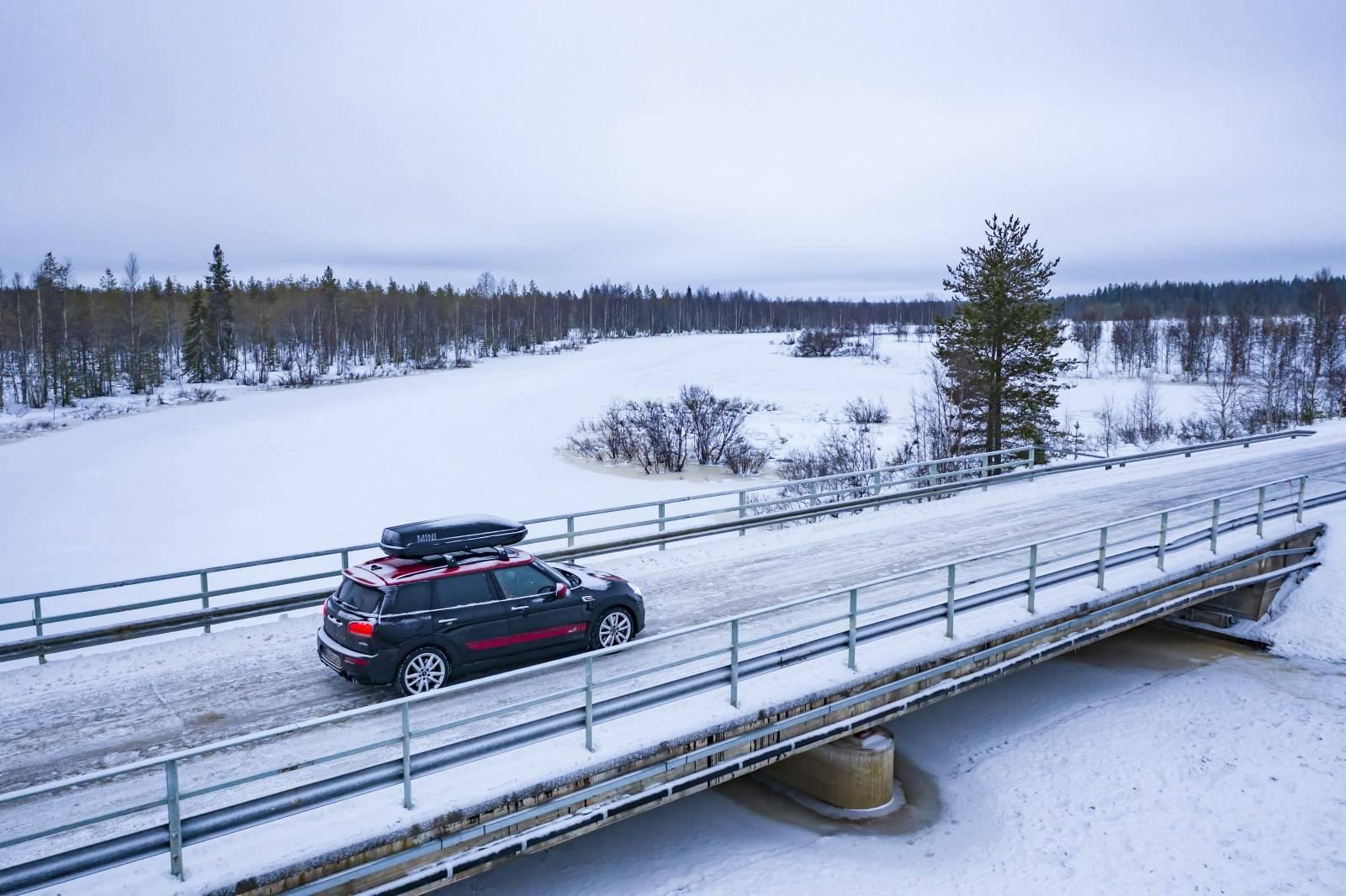 «Поездка на санях»: через Лапландию на MINI JCW Clubman 5