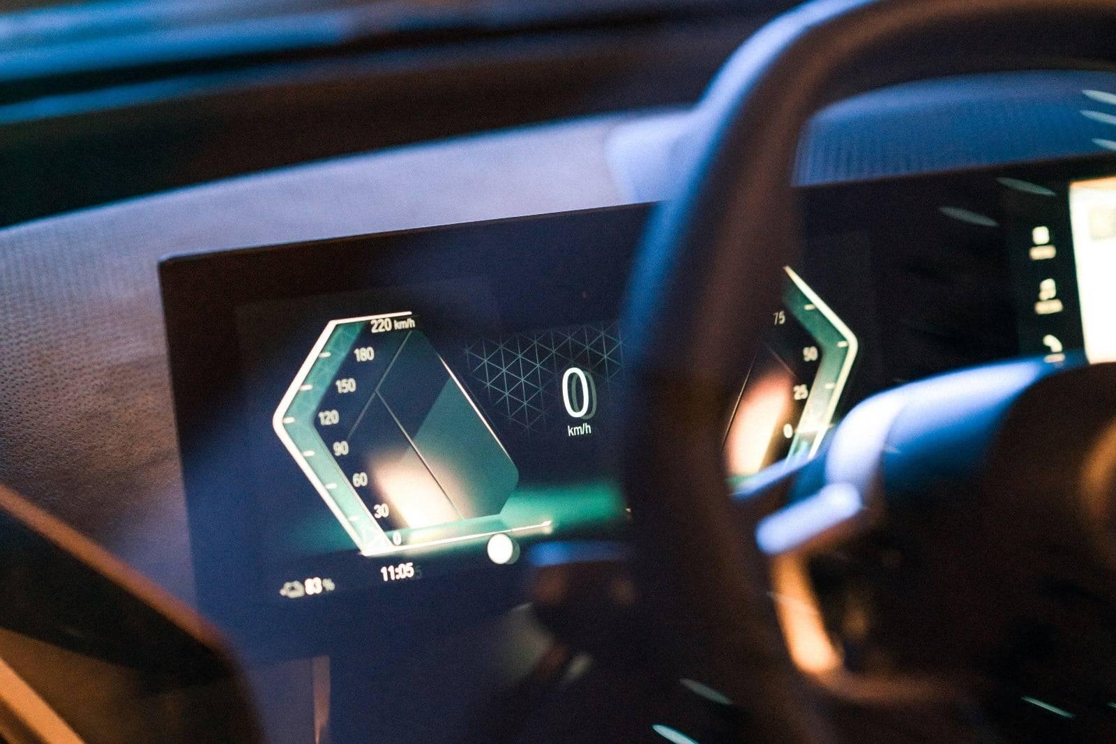 CES 2021: новый дисплей BMW и операционная система BMW iDrive 4