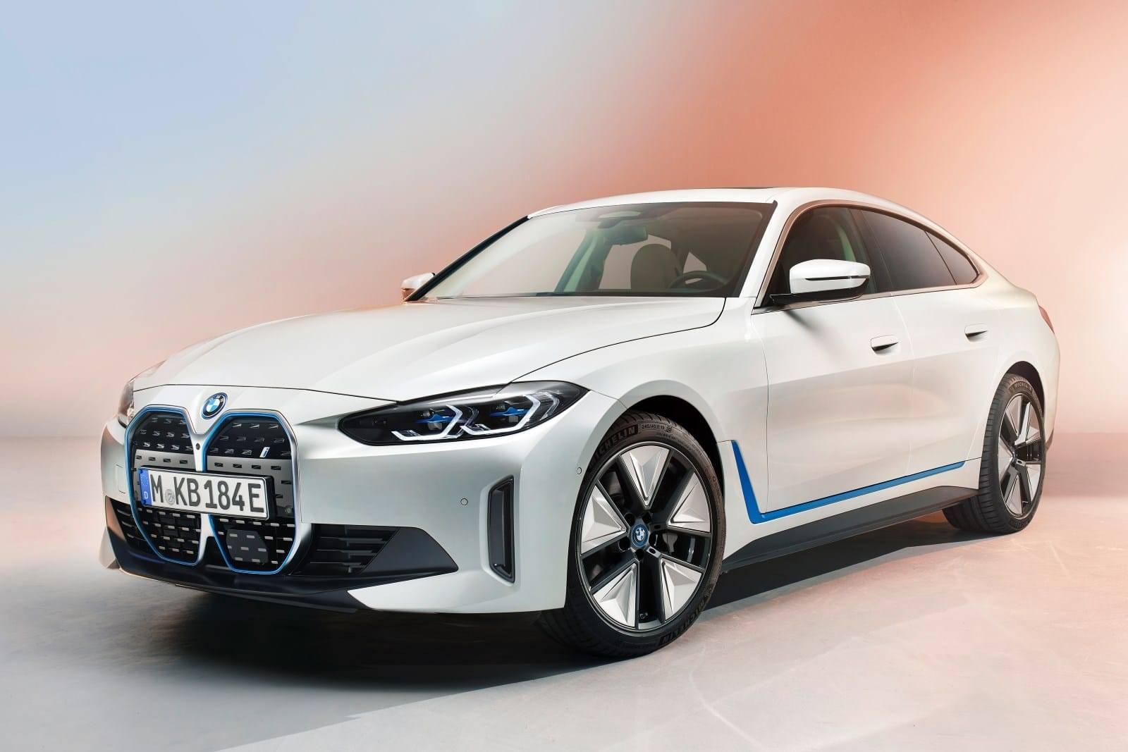 BMW i4 - полностью электрический Gran Coupe 1
