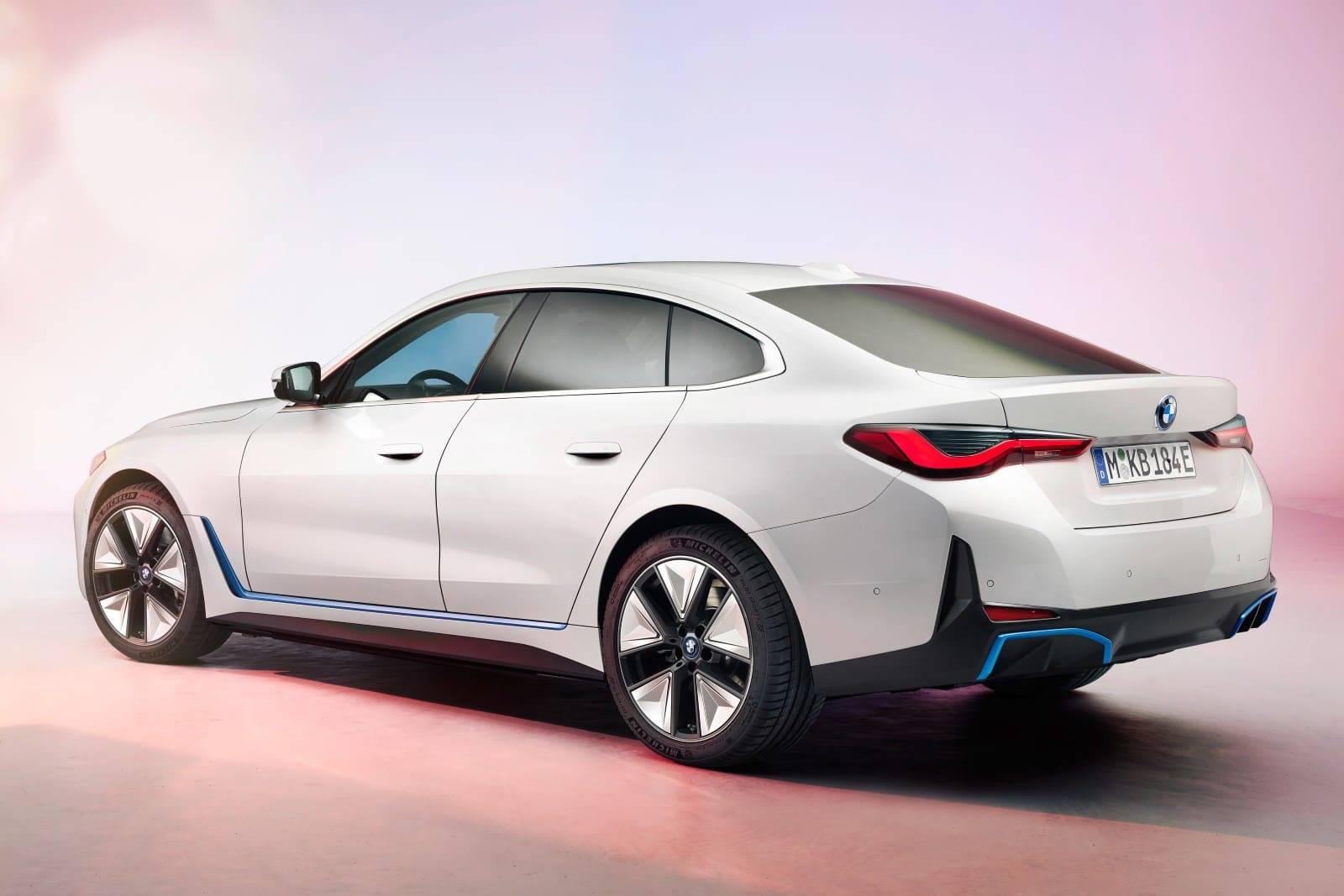 BMW i4 - полностью электрический Gran Coupe 2