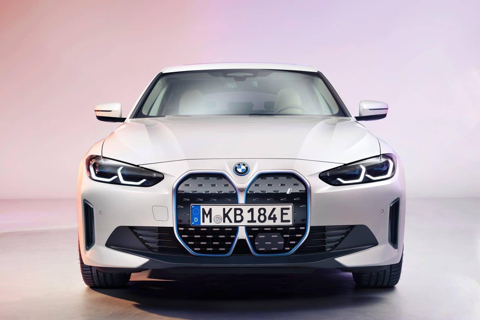 BMW i4 - полностью электрический Gran Coupe 3
