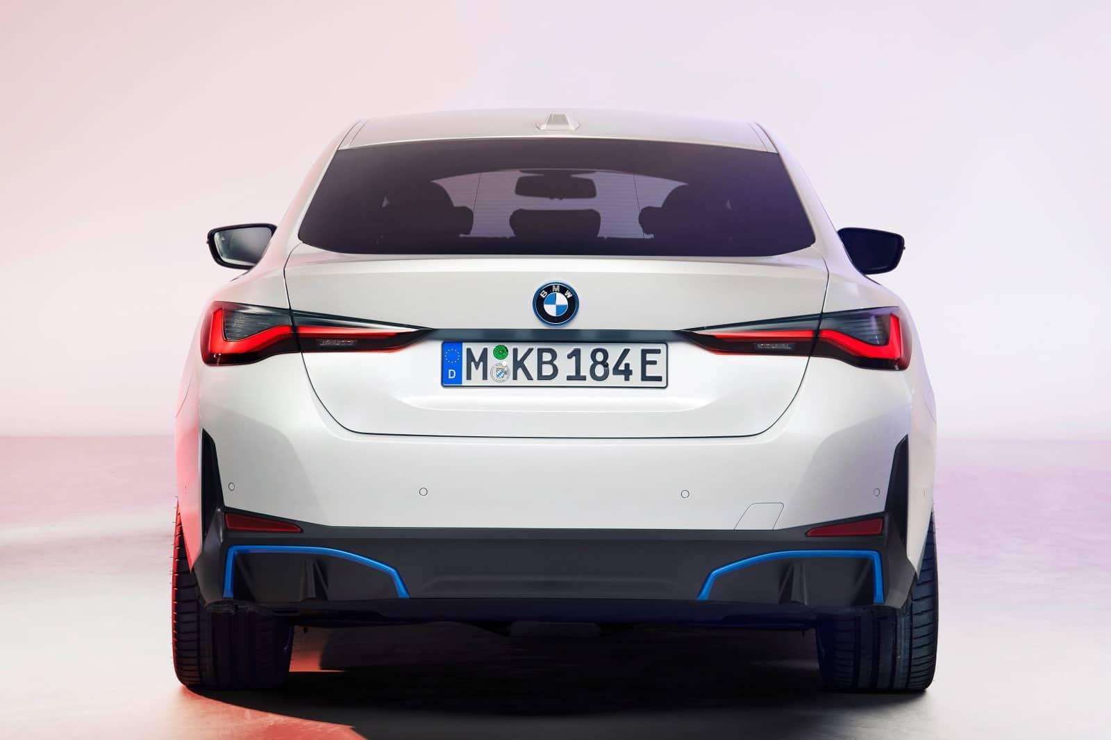 BMW i4 - полностью электрический Gran Coupe 4