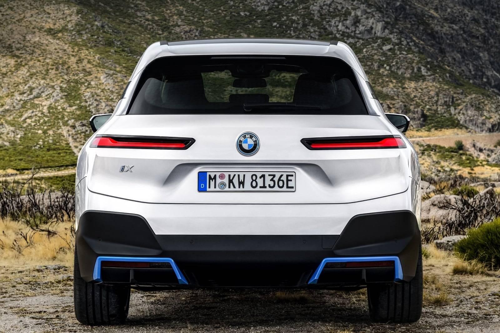 Новые BMW iX xDrive40 и BMW iX xDrive50 6
