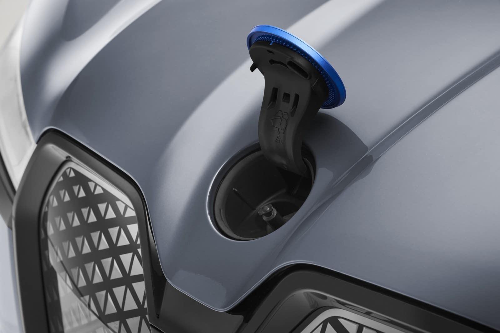 Новые BMW iX xDrive40 и BMW iX xDrive50 7