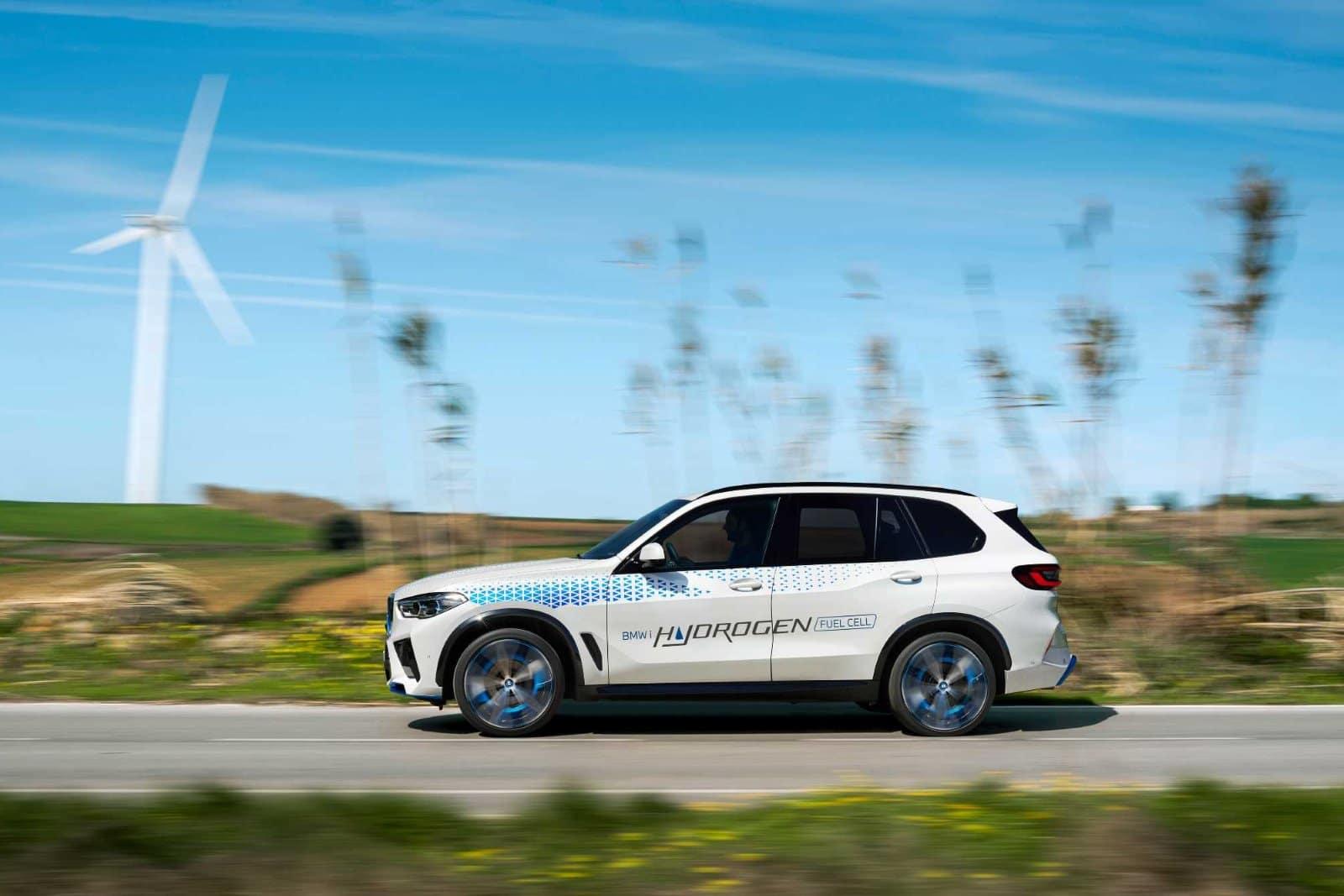 BMW iX5 Hydrogen испытают на выставке IAA Mobility 2021 2