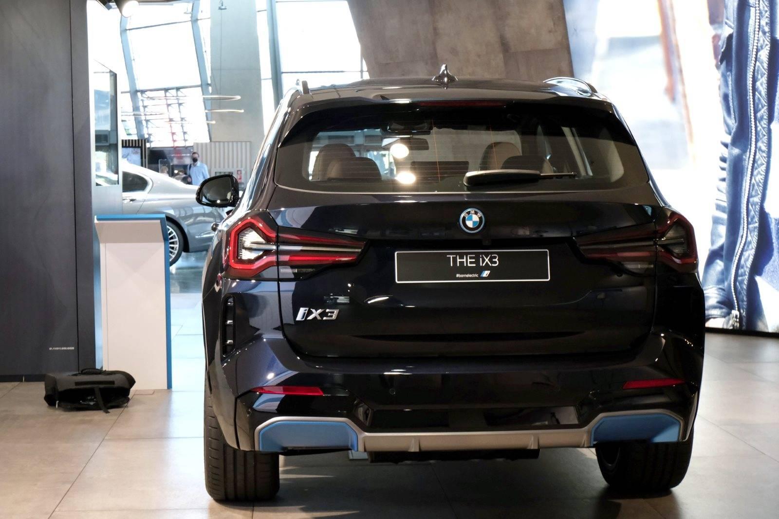 Рестайлинговый BMW iX3 G01 LCI 3