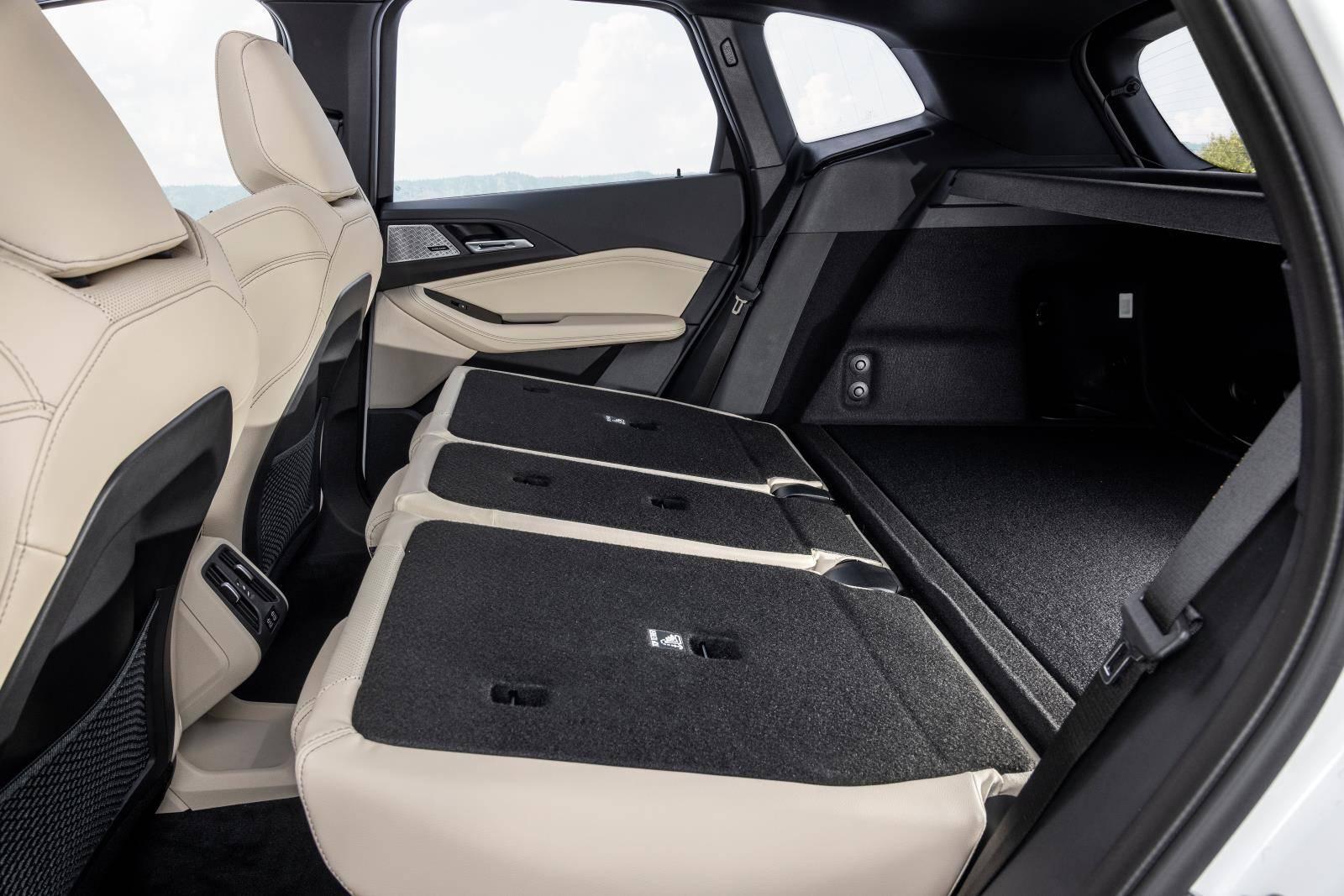 Новый BMW 2 серии Active Tourer U06 5